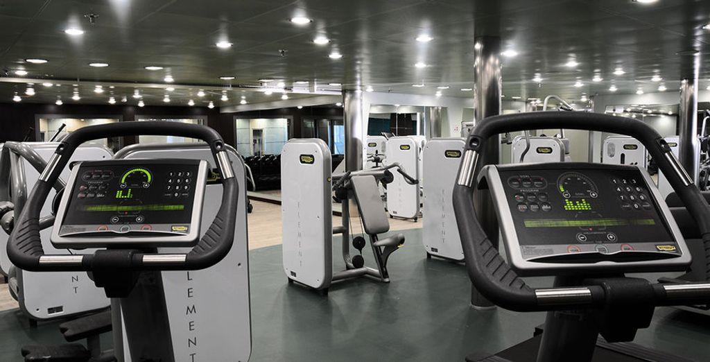 También dispone de un gimnasio con máquinas Technogym de última generación