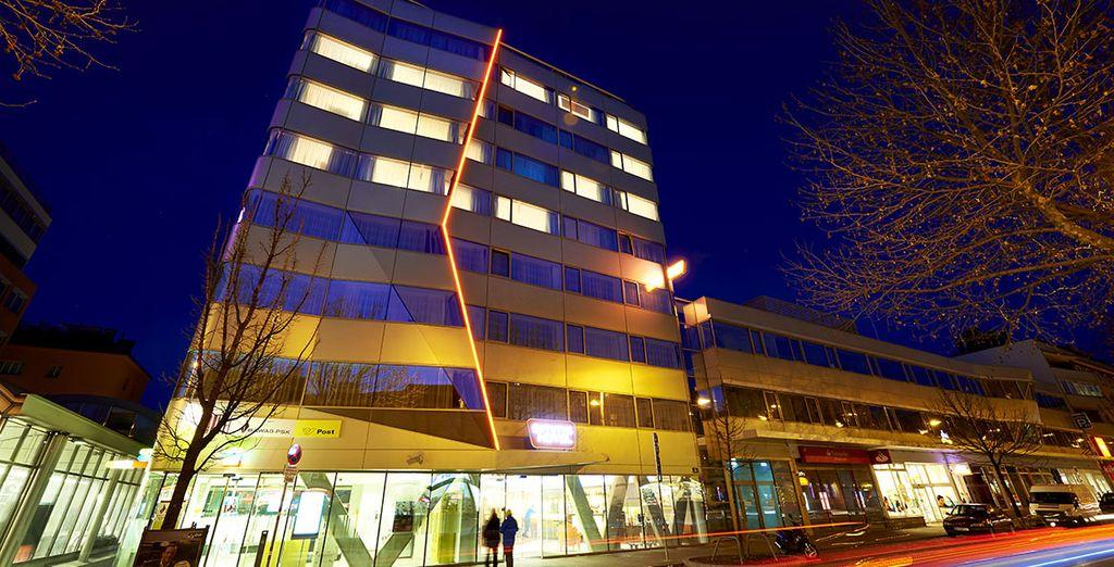 Un edificio moderno en una ubicación ideal