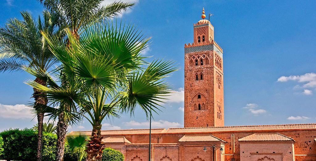 Saca una instantánea de la Mezquita Koutoubia, de las más importantes de Marrakech