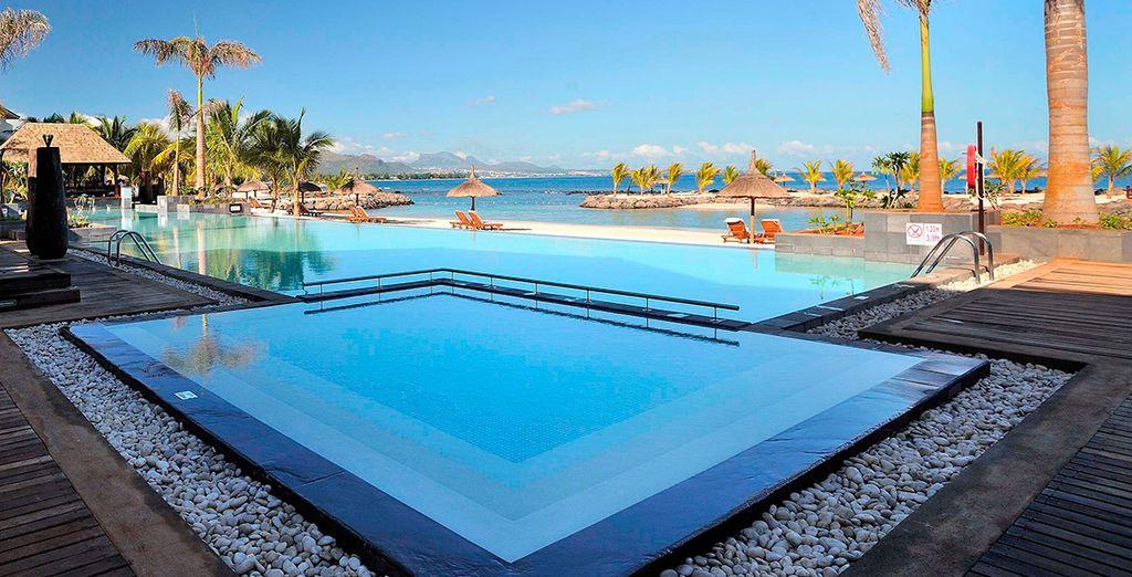 Date un baño en la piscina Infinity climatizada
