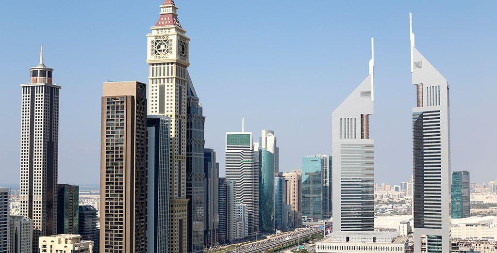 Comenzarás en la futurista Dubái