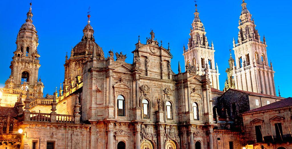 Aprovecha para visitar la hermosa Santiago de Compostela...
