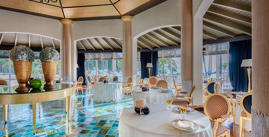 Disfruta de una atmósfera elegante en el restaurante del Healthouse Las Dunas