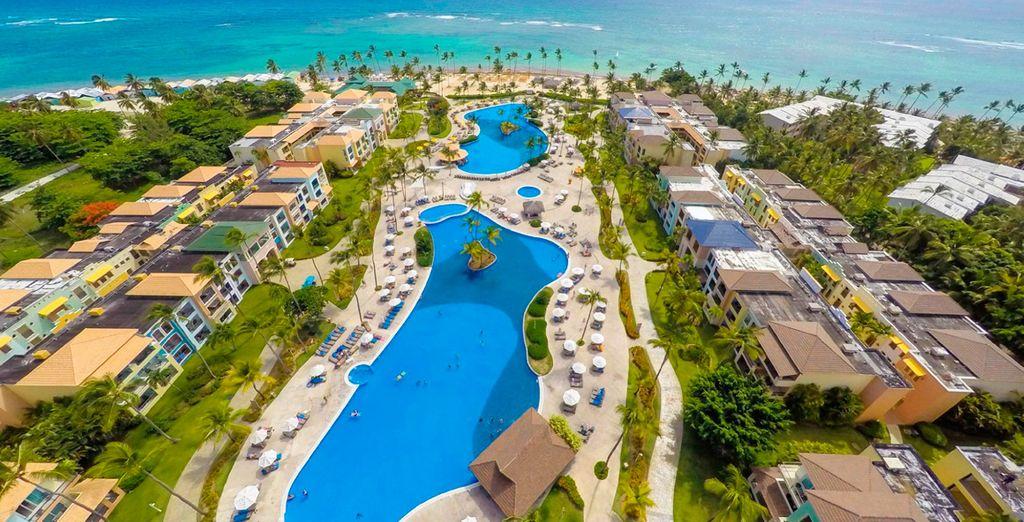 Tu hotel cuenta con varias piscinas para disfrutar
