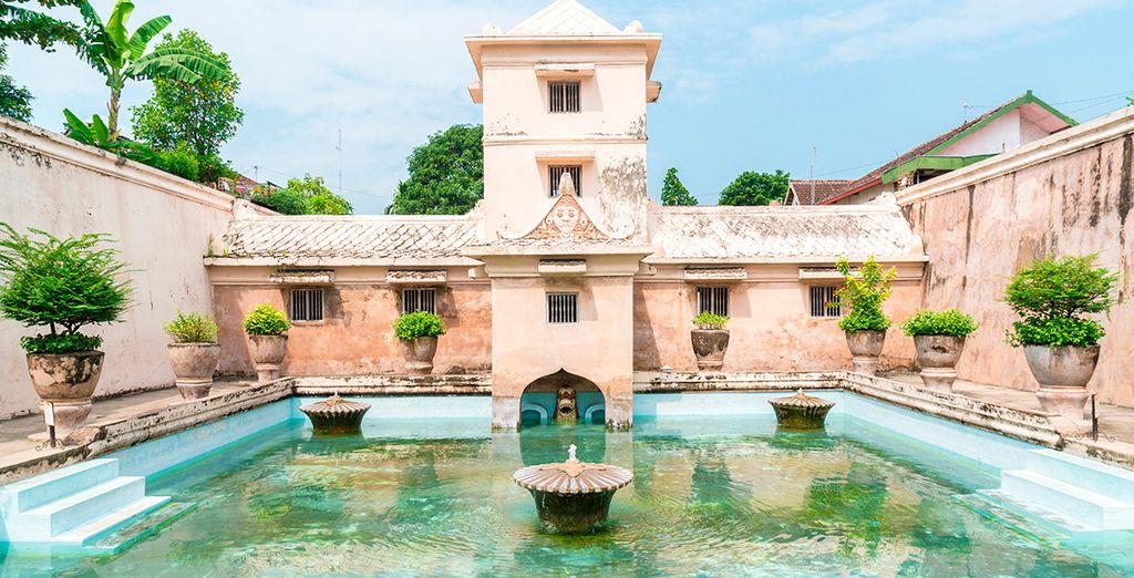 El palacio de agua de Taman Sari
