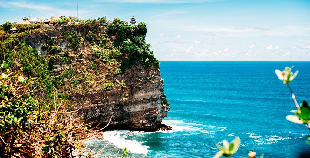 El templo de Uluwatu se encuentra en la costa sur de la isla