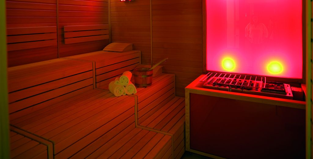 Relájate en la sauna del hotel