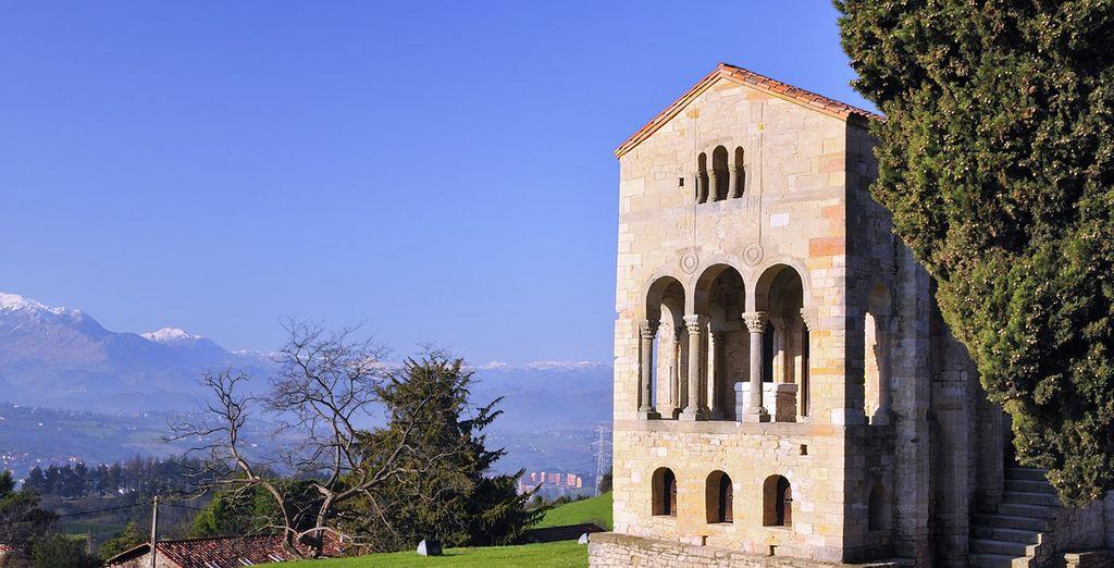 Descubre Santa María del Naranco, uno de las pocas construcciones prerrománicas que se conservan