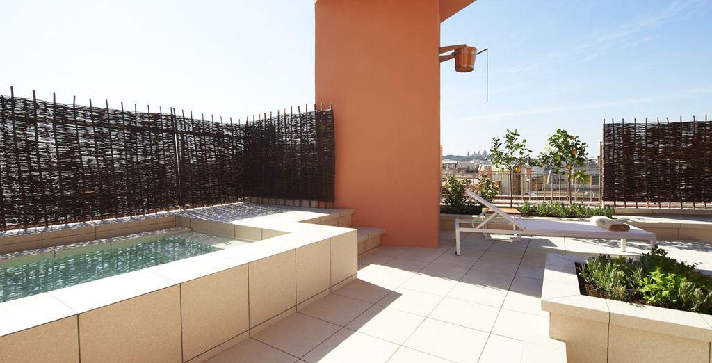 Aprovecha el buen tiempo en la terraza del spa