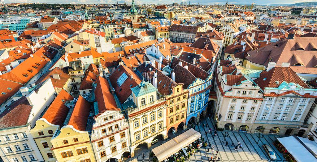Praga, también conocida como la Ciudad Dorada, es una ciudad que le hará soñar