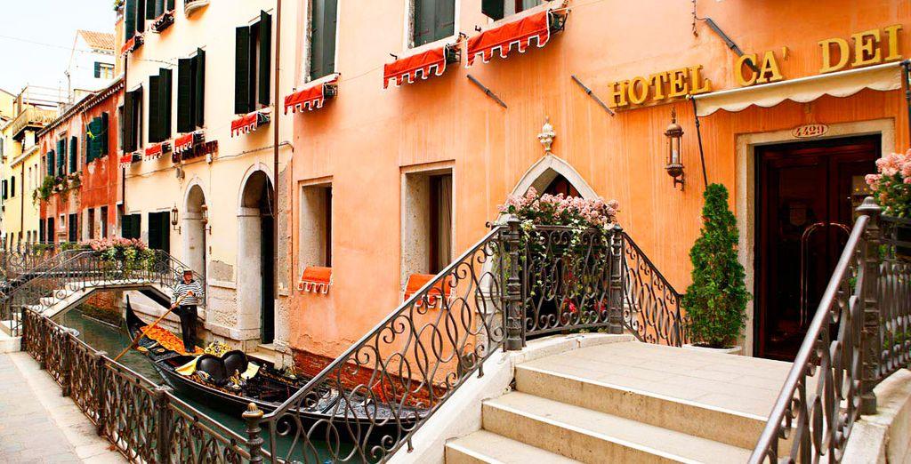 Ca' dei Conti 4* se encuentra en el corazón de Venecia, en un rincón sugestivo y característico de la ciudad