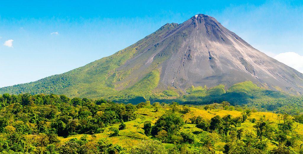 En La Fortuna encontrarás un asombroso volcán activo