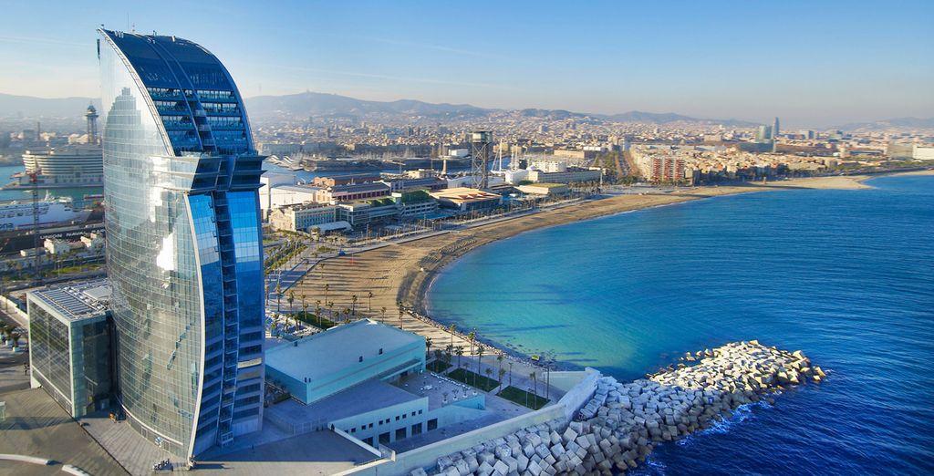 Hotel W Barcelona 5* está situado en un enclave privilegiado