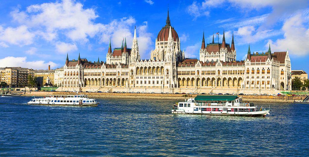 Admira la belleza arquitectónica del Parlamento, orgullo de la ciudad