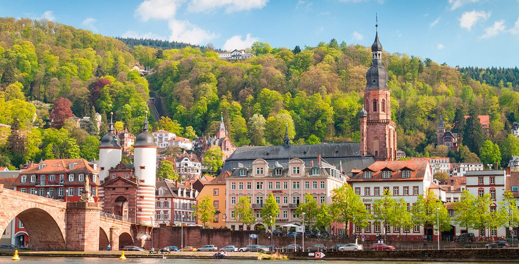 Llegaréis a Heidelberg, a orillas del río Neckar