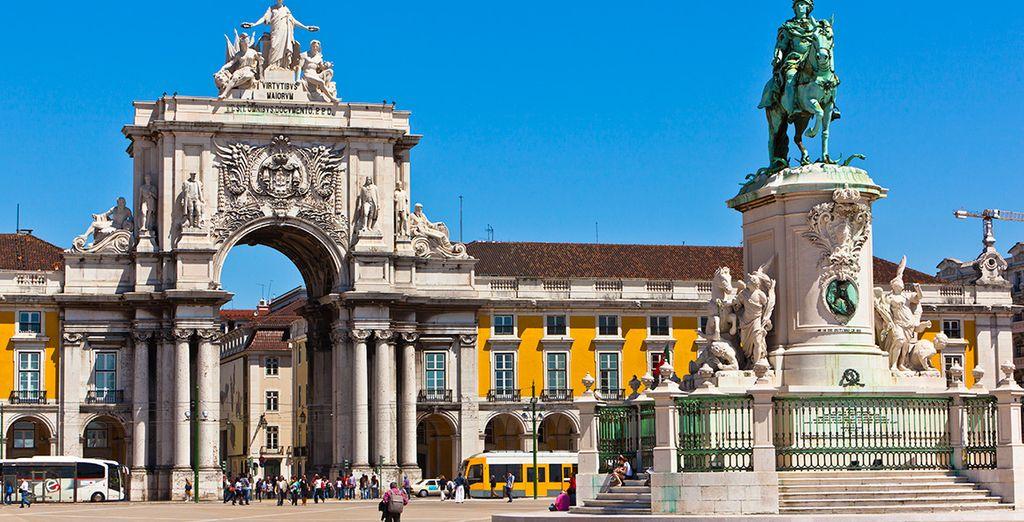 Visita sus edificios y monumentos