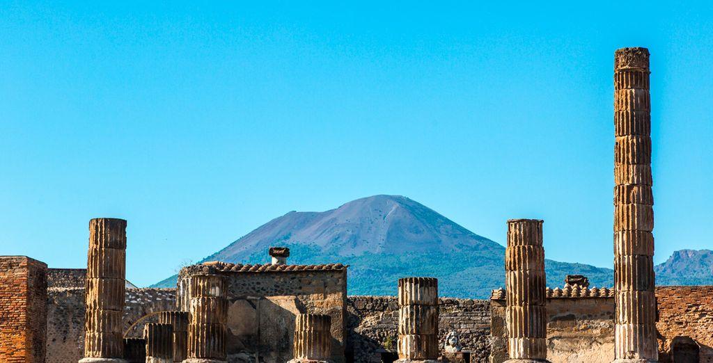 Contrata, en el segundo paso de tu compra, una visita a la histórica Pompeya
