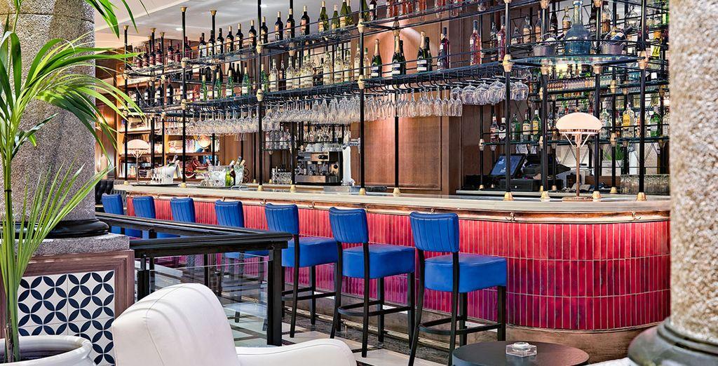 Con espacios como el bar La Villa, perfecto para un aperitivo