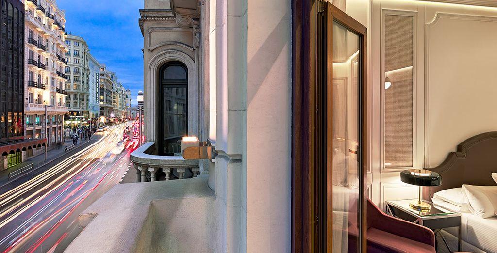H10 Villa de la Reina Boutique Hotel 4*, con fantásticas vistas a la Gran Vía