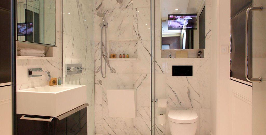 Todas las habitaciones cuentan con baños privados completamente equipados