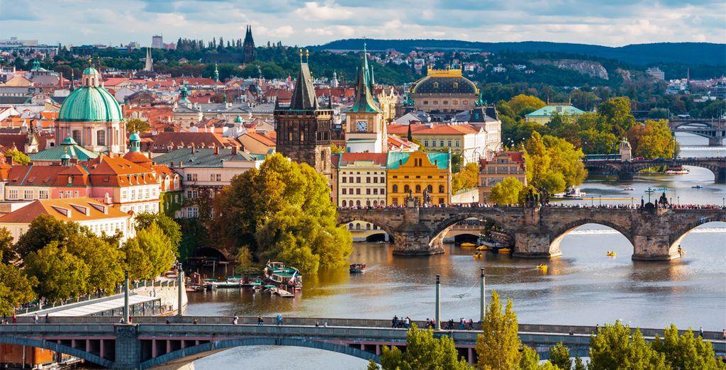 El río Moldava baña la orilla de esta fascinante ciudad