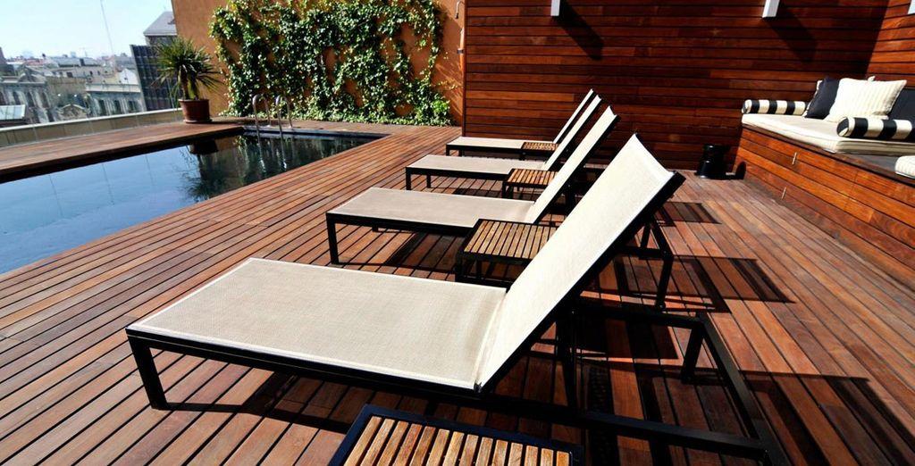 Con una terraza ideal para relajarte con unas magníficas vistas a la ciudad