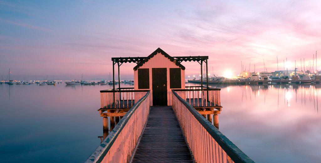 Déjate cautivar por las impresionantes puestas de sol sobre el Mar Menor