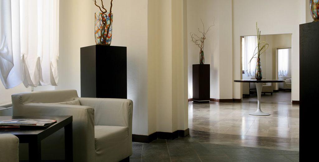 Amplios y acogedores espacios elegantemente decorados