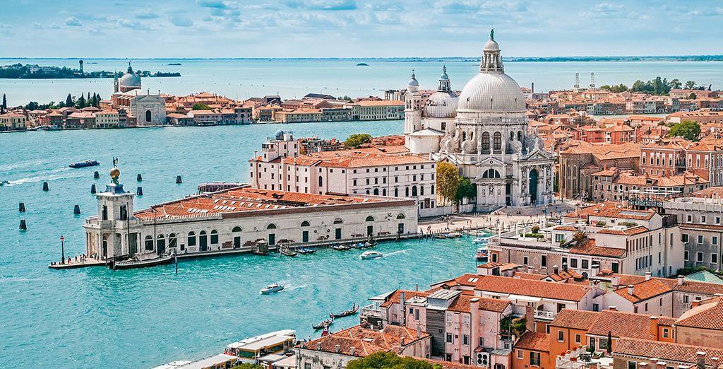 Te alojarás a pocos pasos del corazón de Venecia