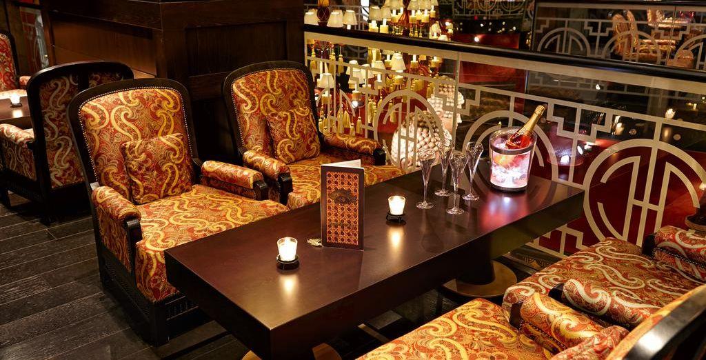 Tómate una copa en el fantástico bar
