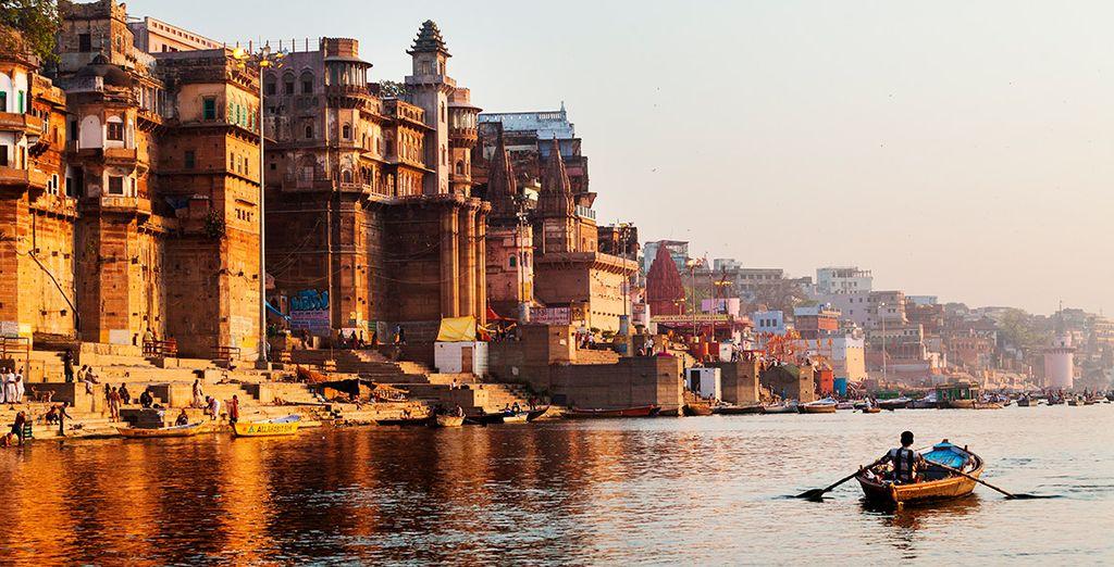 Una experiencia única: ¡un paseo en barca por el Ganges!