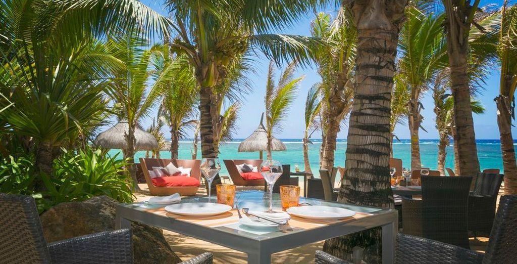 Disfruta de la gastronomía de la región, gracias a tu régimen de pensión completa... y de las espectaculares vistas