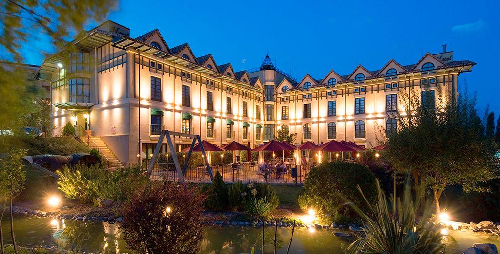 Grandes tierras de viñedos rodean el Hotel Sercotel Villa de Laguardia 4*