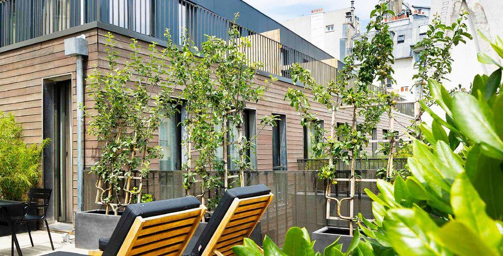 Ponte cómodo en la terraza