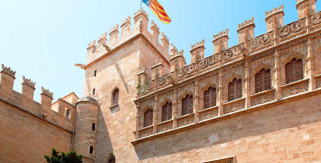 Lonja de los Mercaderes, declarada Patrimonio de la Humanidad por la Unesco