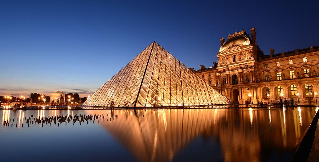 Visite los emblemas culturales de la capital francesa, como el Lourve