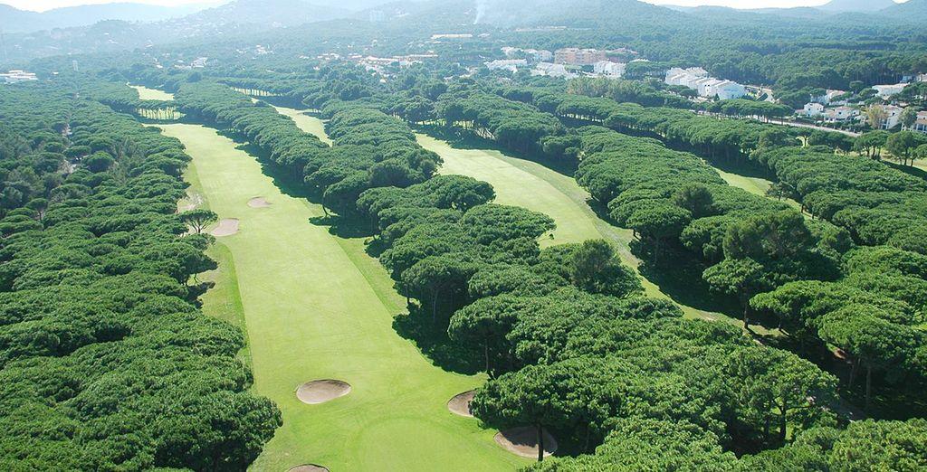 Para los amantes del golf, disfrute de Golf Platja de Pals