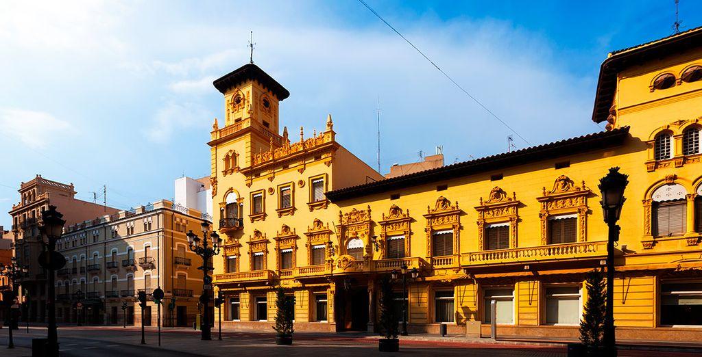 Acércate a Castellón de la Plana, a un paso