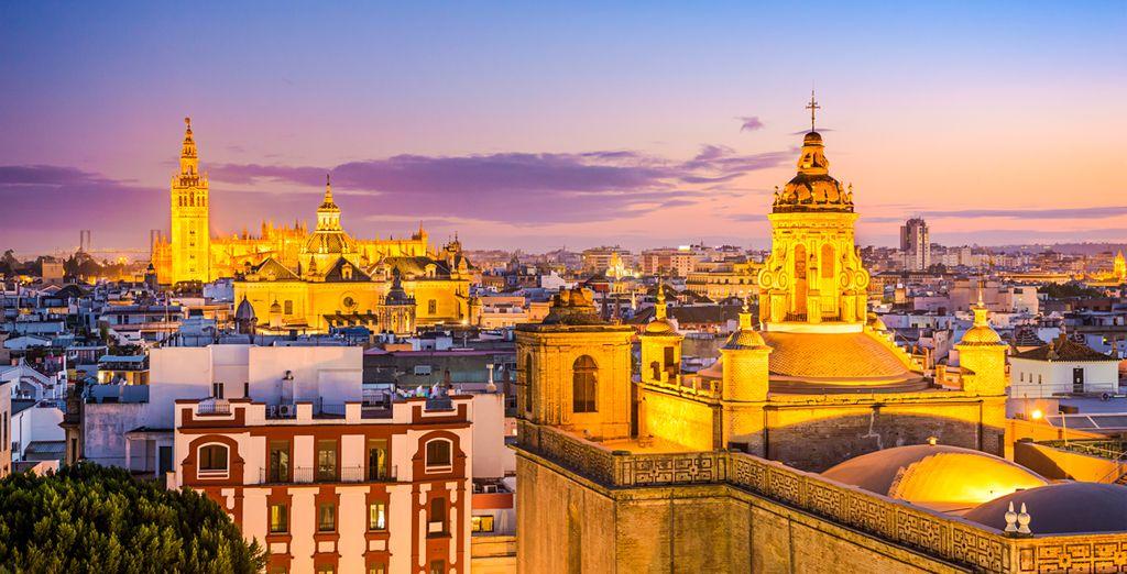 En sus mágicas calles y sus rincones llenos de historia es donde nace ese espíritu que hace especial a Sevilla