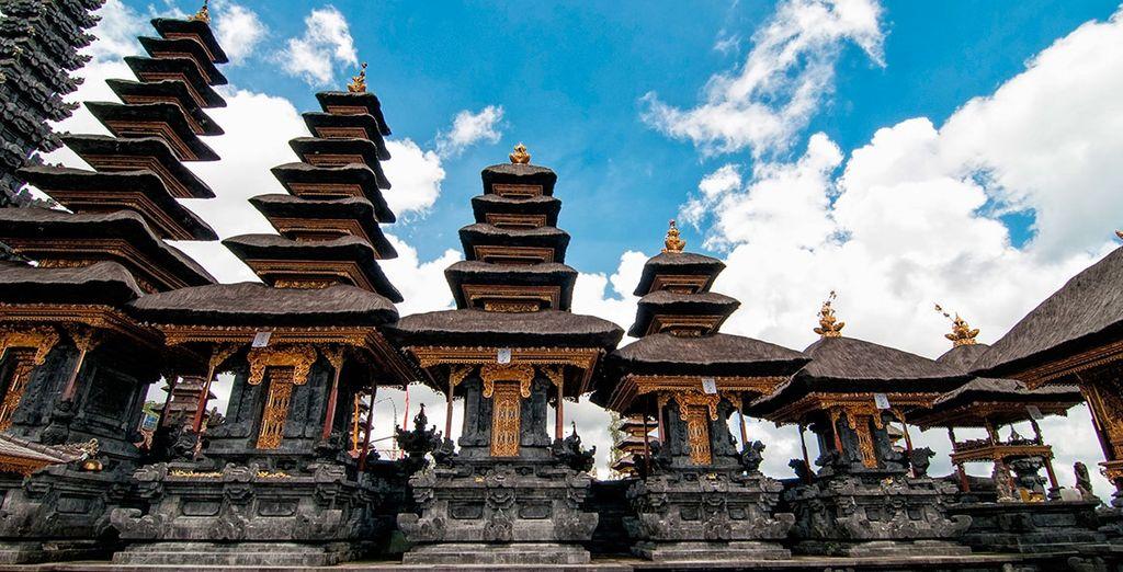 Visite sus templos, sus monumentos, sus gentes