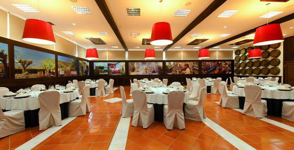 Salones amplios y acogedores para hacer de la comida un momento único