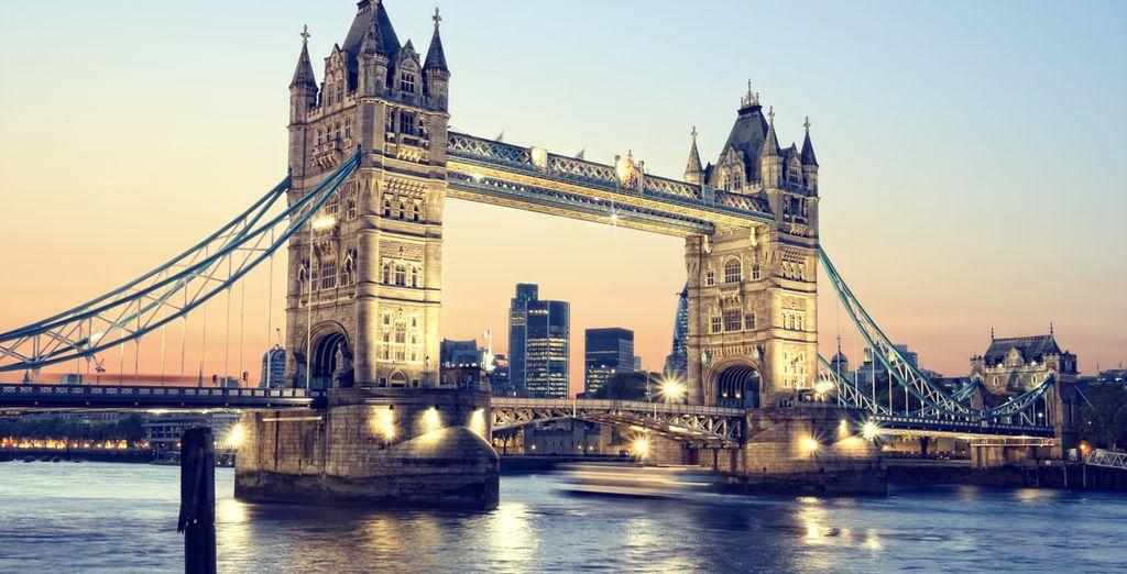 Cruza el Tower Bridge... Londres te enamorará