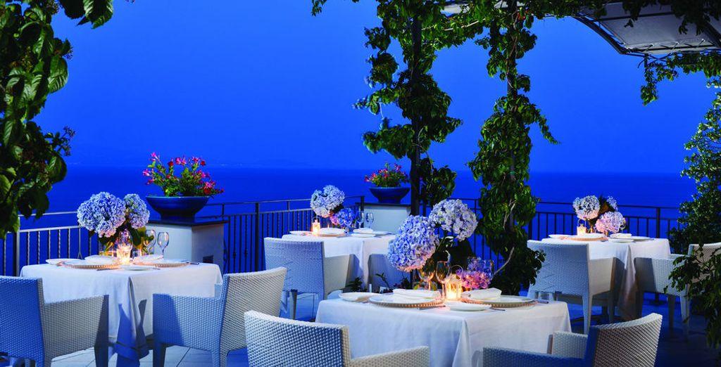 Disfruta de una velada inolvidable al borde del Mediterráneo