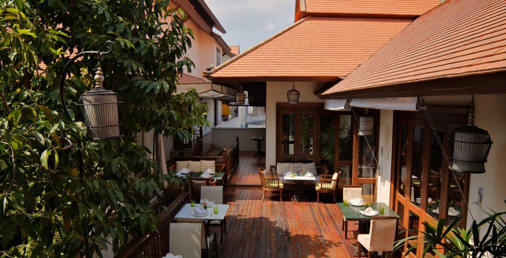 REl Café Naga ofrece platos tailandeses