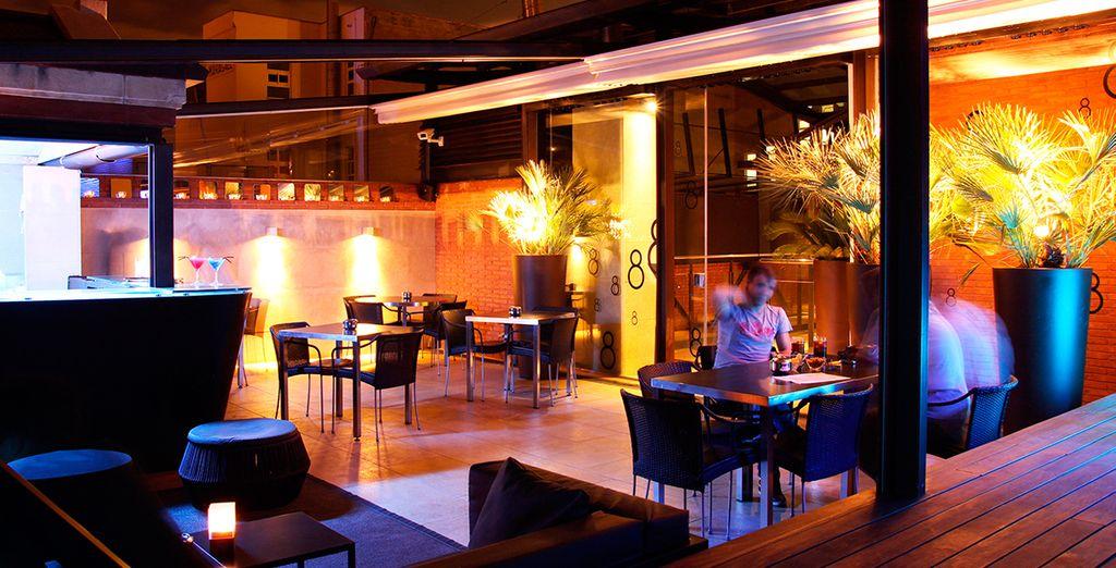 Cocktails en un ambiente de diseño y máximo glamour