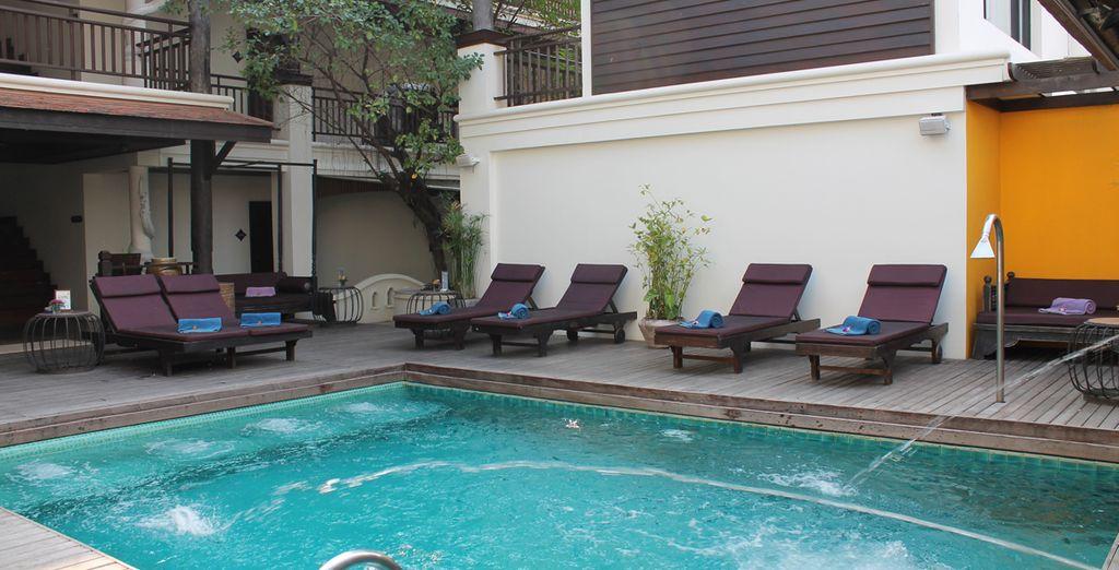 Disfrute de su piscina exterior...