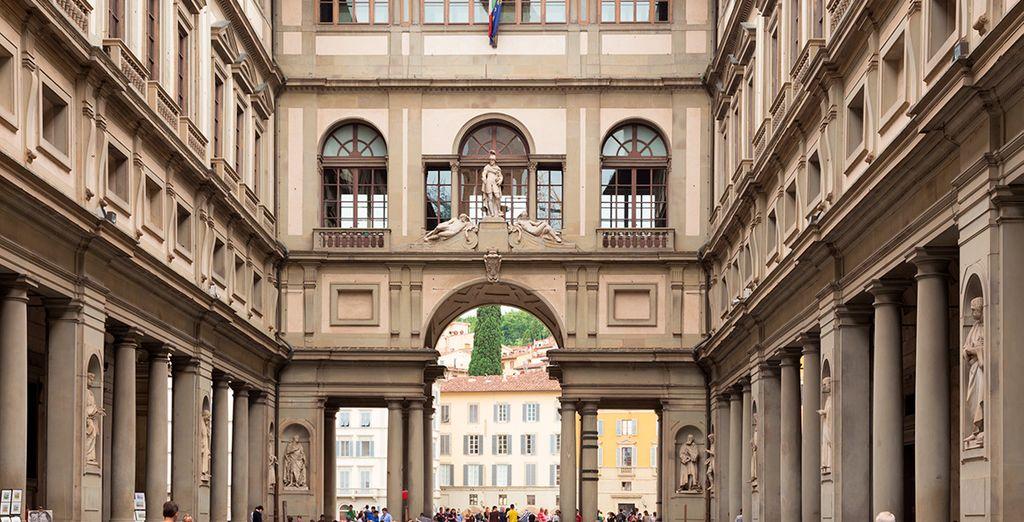 La Galeria Uffizi, uno de los lugares de visita obligatoria