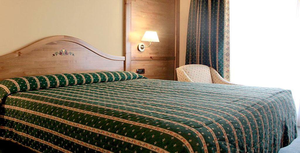 Podrás descansar en una habitación Doble con vistas a la montaña