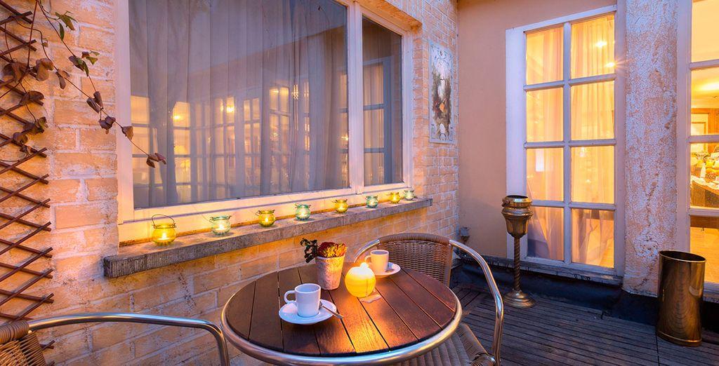 Pase una romántica velada en la terraza