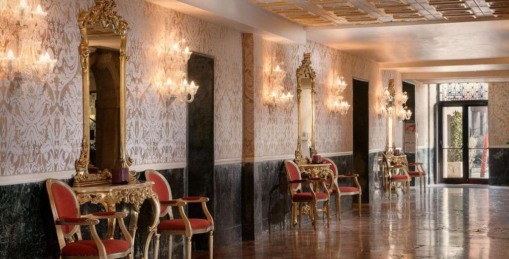 Muebles de época y decoración típica